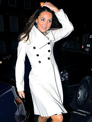 Kate Middleton white coat: options in several sizes at a great buy